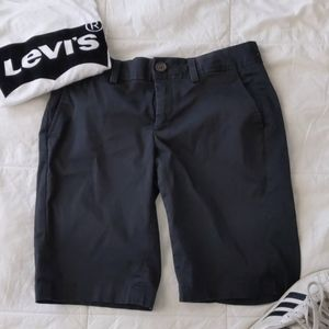Banana Republic stretch black shorts with pockets